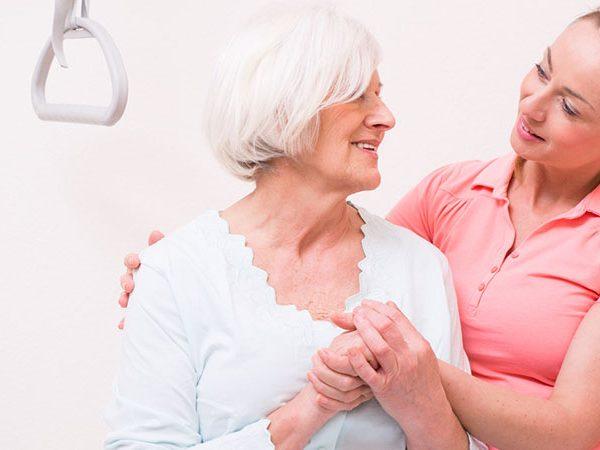 Welche Art der Altenpflege ist die richtige?