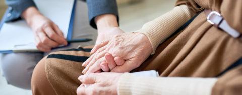 Betreuungskraft mildert Depression im Alter